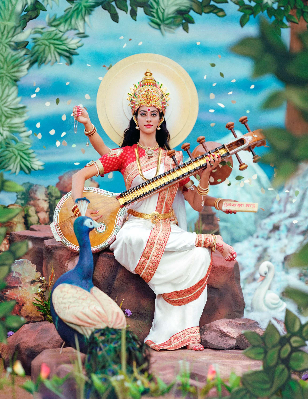 фасады фото индийской богини сарасвати этой